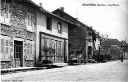 Bizonnes, la place, 1910, p 26 l'Isère les 533 communes - J.jpg