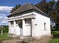 Bobbin LK Guestrow Friedhofskapelle.JPG