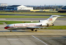 Boeing 727-82C, TAP - Transportes Aereos Portugueses AN1061810.jpg