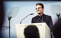 Bono MSC 2017.jpg