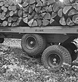 Bosbewerking, aanhangers, boomstammen, wielen, Bestanddeelnr 253-5135.jpg