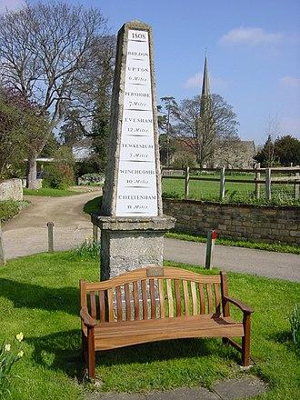 Bredon - Image: Bredon milestone