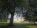 Buckingham Palace (28668302063).jpg