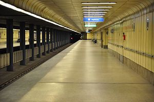 Line 3 (Budapest Metro) - Image: Budapest, metró 3, Újpest Központ, 7