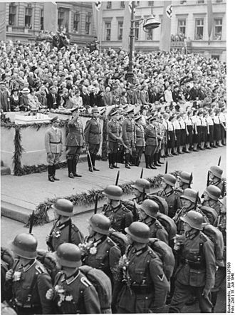 218th Infantry Division (Wehrmacht) - Soldiers from the division on parade past Joseph Goebbels and Generaloberst Friedrich Fromm after the Battle of France.
