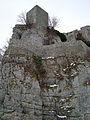 Burgruine Reußenstein - Blick von der Unterburg zur Kernburg (7574102464).jpg
