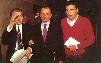 Ion Iliescu - Iliescu (center) with FSN members Dumitru Mazilu (left) and Petre Roman (right) on 23 December 1989, one day after the formation of the FSN.