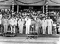 COLLECTIE TROPENMUSEUM President Soekarno en vice-president Hatta tijdens de opening van de Nationale Olympische Week (Pekan Olahraga Nasional) te Jakarta TMnr 10017924.jpg