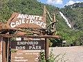 Cachoeira dos Pretos São aproximadamente 154 metros de queda d´agua, diversas corredeiras e lagos para aqueles que querem interagir um pouco mais com o local. - panoramio.jpg