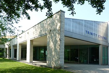 English: Cambridge Science Park Trinity Centre...