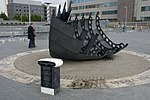 Cardiff MMB 26 Merchant Seafarers War Memorial.jpg