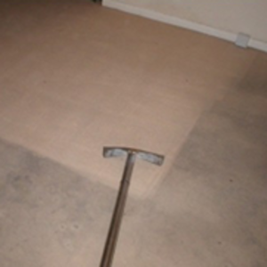 Carpet cleaning - Cleaned and uncleaned areas of a carpet