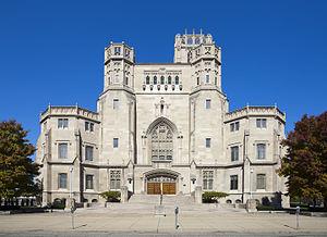 Scottish Rite Cathedral (Indianapolis) - Image: Catedral de tradición escocesa, Indianápolis, Estados Unidos, 2012 10 22, DD 03