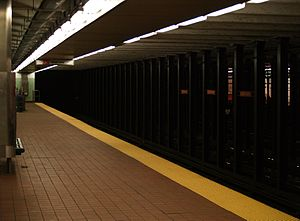 Cecil B. Moore station - Platform at the station