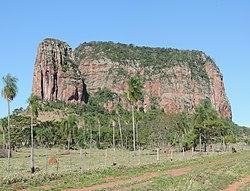 Cerro Memby - Coordillera del Amambay - panoramio.jpg