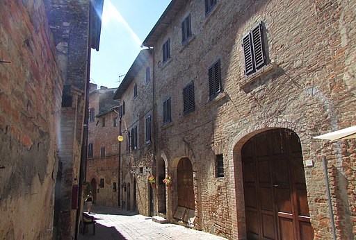Certaldo,  la Via Valdracca