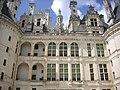 Chambord - château, cour (29).jpg