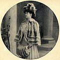 Chinchilla-Cape -Toque und -Muff, 1905.jpg
