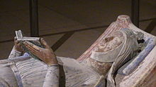 Church of Fontevraud Abbey Eleanor of Aquitaine effigy.jpg