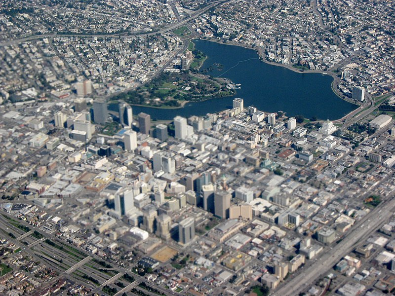 File:Closeup aerial view of Downtown Oakland and Lakeside Park.jpg