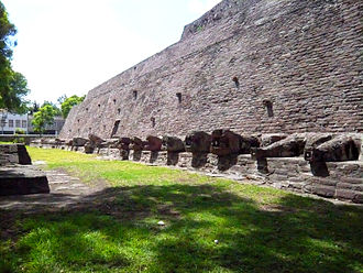 Tenayuca - Image: Coatecpantli tenayuca