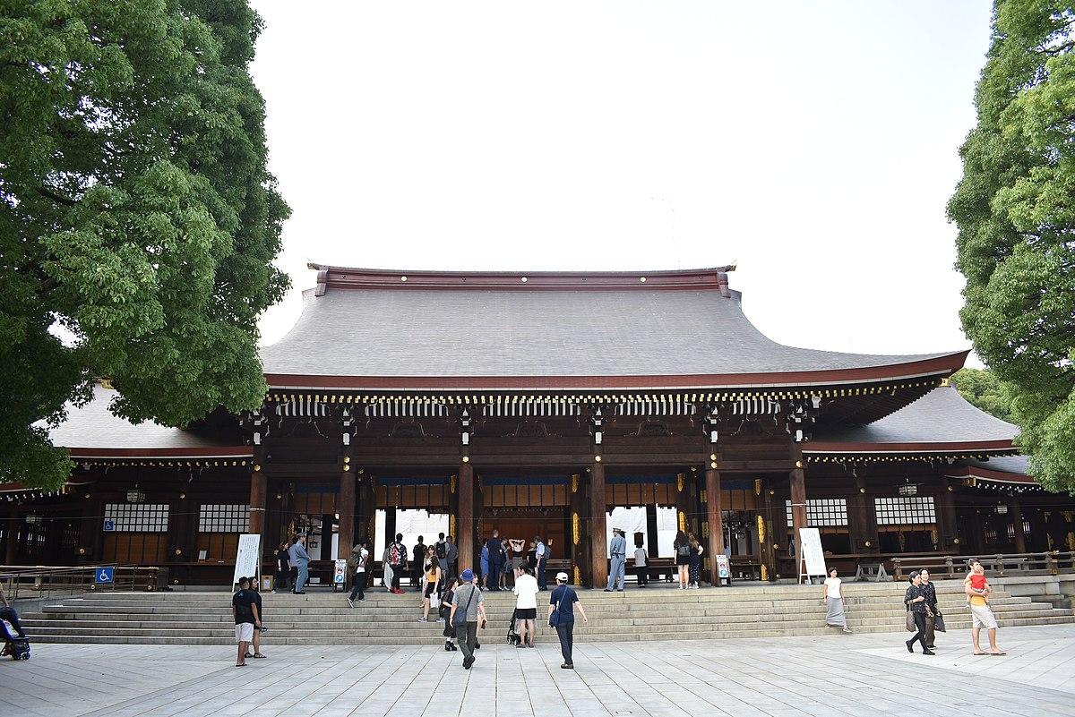 Courtyard of Meiji Shrine 20190717.jpg