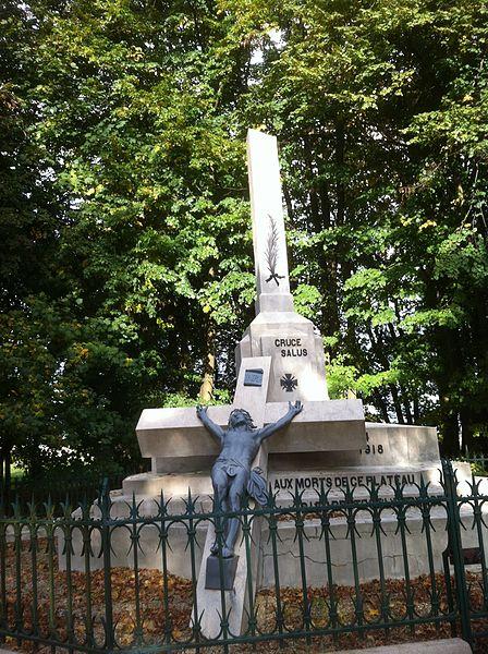 Un monument à la mémoire des soldats qui payèrent de leur vie le sauvetage de camarades,