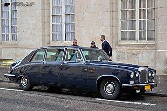 Vanden Plas - Daimler DS420 by Vanden Plas