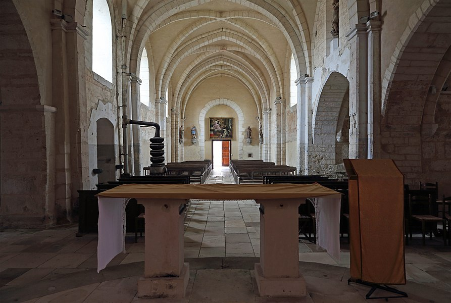 Dancevoir (Haute-Marne department, France): interior of Saint Peter in chains church