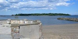Davids' Island (New York) - Image: Davids Island fr south Glen Is jeh