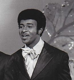 Dennis Edwards with the Temptations in 1968.jpg