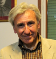 Dino Greco nella sede del Prc di Parma.png