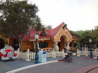 Park Disneyland - Anaheim Los Angeles California USA (9894366226) .jpg