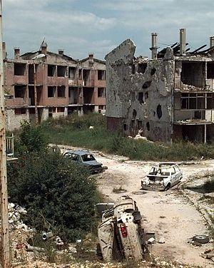 Dobrinja - Image: Dobrinja in 1996