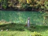 Drina, spomenik na obali Drine.tif