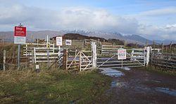Duirinish Station Level Crossing (15145982176).jpg
