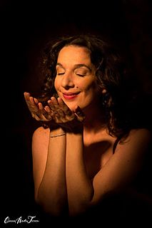 Dulce Pontes Portuguese songwriter and singer (born 1969)