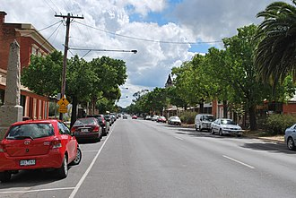 Dunolly, Victoria - Broadway, the main street of Dunolly