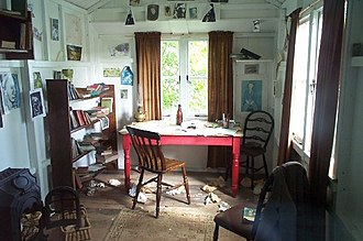 Dylan Thomas - Dylan Thomas's writing shed in Laugharne, largely untouched since his death