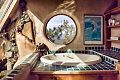 Earthship-interior23 (17738368729).jpg