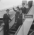 Eerste KLM-machine weer naar Djakarta vanaf Schiphol vertrokken, Bestanddeelnr 915-1227.jpg