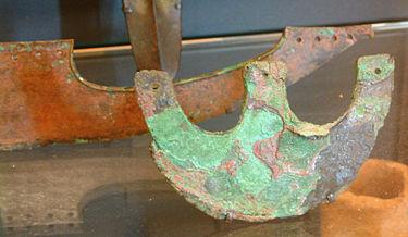 Mar Rojo: Descubren los restos de lo que fue el gran ejército egipcio del Éxodo Bíblico 375px-Egypte_louvre_253_hache