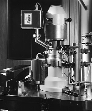 """Superlens - The """"Electrocomposeur"""" was an electron-beam lithography machine (electron microscope) designed for mask writing. It was developed in the early 1970s and deployed in the mid 1970s"""