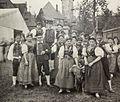 Elsterberg Trachtendarstellung Gruppe vom Hammelkegelfest aus Elsterberg 1897 Voigtland.jpg