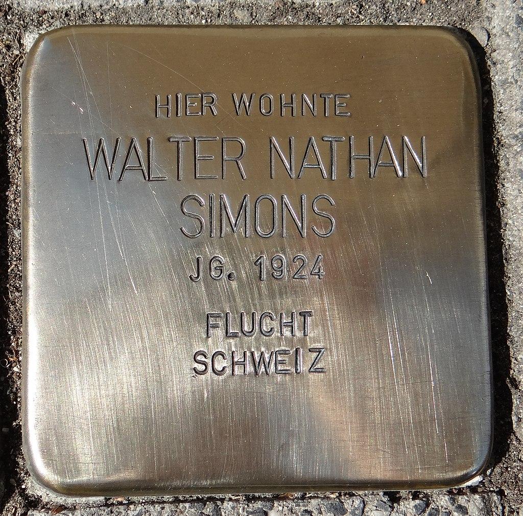 Eltville am Rhein Stolperstein Taunusstraße 14 Walter Nathan Simons.jpg