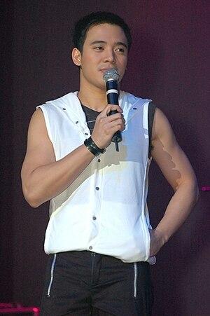 Erik Santos - Erik Santos during a Chicago concert in 2008.
