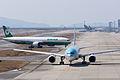 Eva Airways ,BR132 ,Boeing 777-36N(ER) ,B-16719 ,Arrived from Taipei ,Kansai Airport (16482076079).jpg