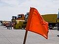Exkurze Ruzyně, oranžová vlajka.jpg