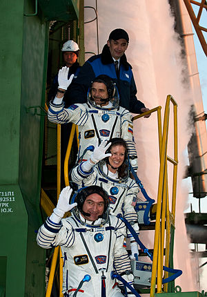 Expedition 23 - Image: Expedition 23 Crew Launch