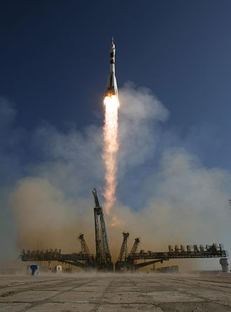 Soyuz TMA-16 - Soyuz TMA-16 lifts off